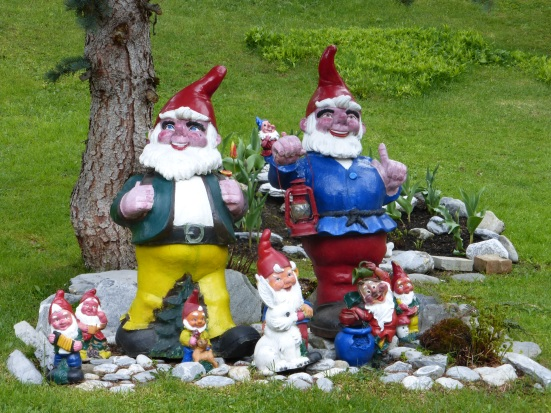 Happy gnomes greet us!